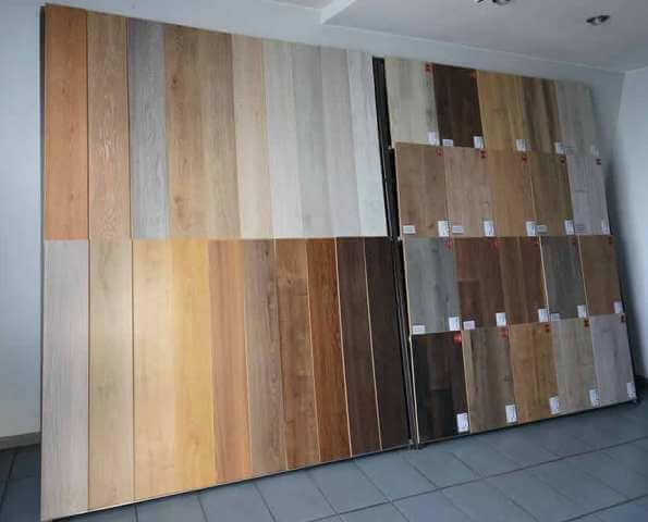 Все виды материалов отлично подходят для квартиры и дома (в спальню, в гостиную, коридор, зал и так далее).