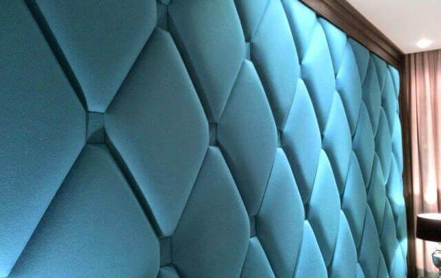 Тканные панели для стен С помощью ткани можно создавать декорационные панели не только для стен, но и для потолка. Модели приятны на ощупь, просты в уходе.