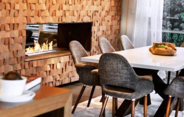 Декор из брусков или реек на стену из дерева может вскрываться лаком, морилкой или краской