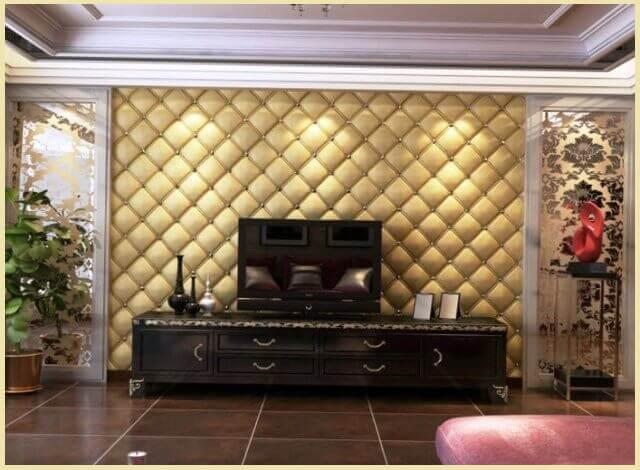 фото: отделка стены в гостиной тканью в бежевом цвете